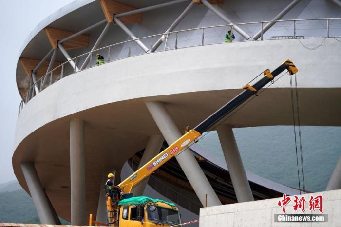 北京冬奥组委:场馆运行工作正按计划推进和落实
