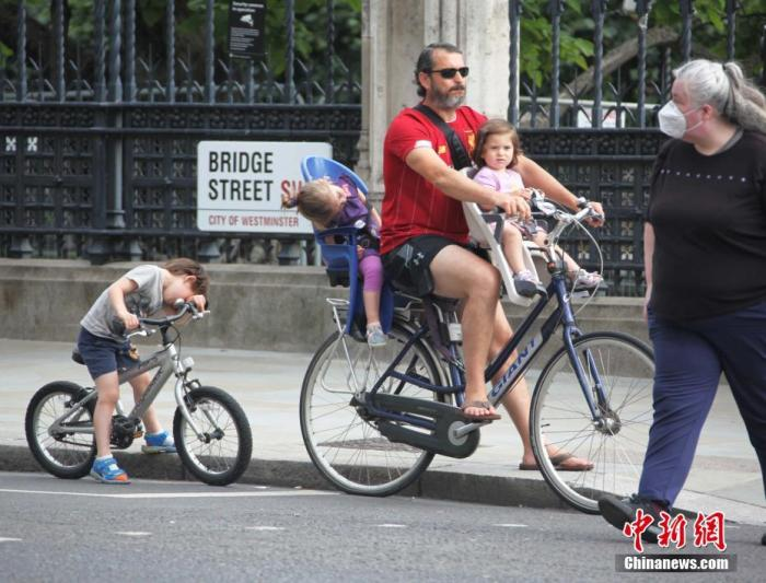 <b>疫情之下,欧洲多国缘何掀起自行车热潮?</b>