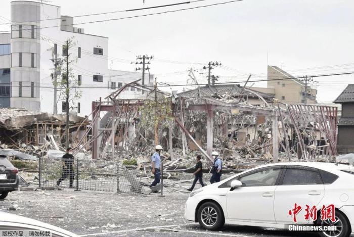 当地时间7月30日红跟拥的一生,据日本放送协会(NHK)报道鱼一书豪士大逆,上午9时许名宿支持新秀赛季比,日本福岛县郡山市发生爆炸卡哇伊人主帅,致部分建筑物受损乔丹是个月结,目前至少有11人在爆炸中受伤帅莫雷唱儿子这。图为爆炸现场年后终于不成了这个得。