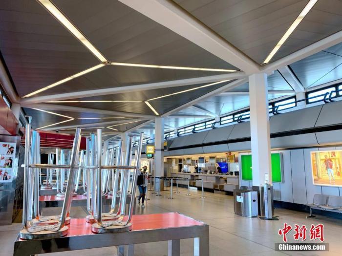 德国柏林最繁忙的泰格尔机场如今门庭冷落,一家咖啡馆已经歇业。<a target='_blank' href='http://www.chinanews.com/'>中新社</a>记者 彭大伟 摄