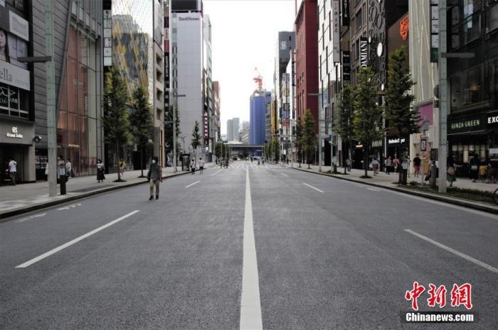 资料图:内地时间8月16日,东京贸易区银座大街,街上公众较少。 /p太平洋在线记者 吕少威 摄
