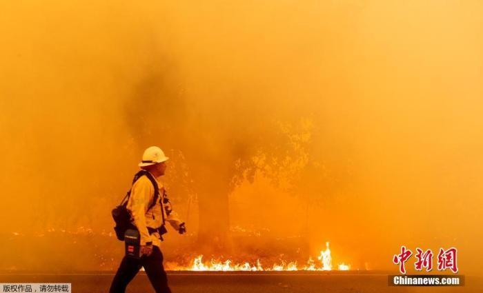 闪电引发美加州史上第二大山火 已致至少6人死亡图片
