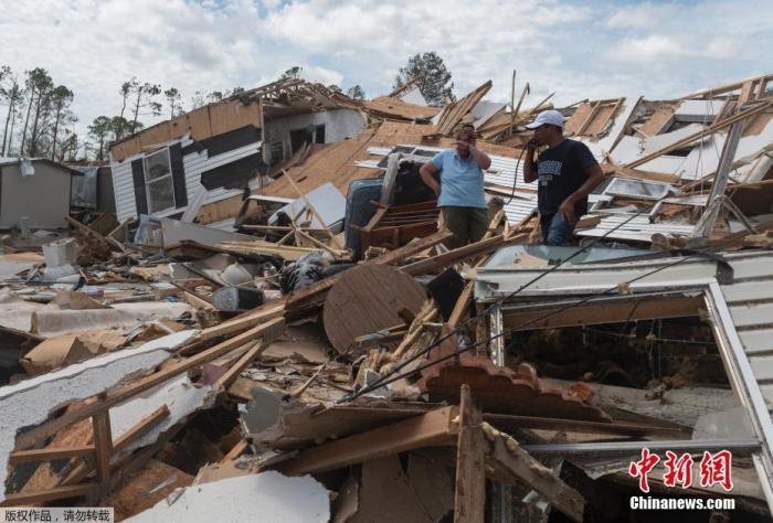 """飓风""""劳拉""""袭美致14死 多地停水停电或持续数周图片"""
