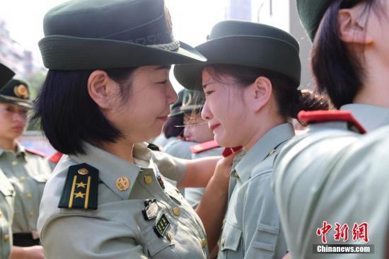 中国通过法律加强对退伍军人的支持