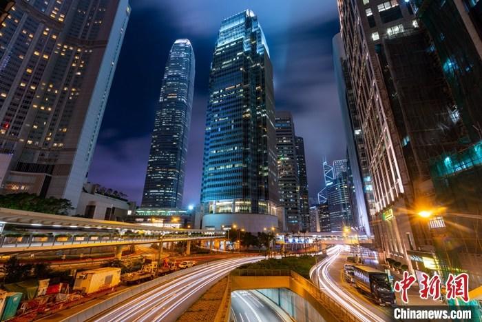 银行调查报告 香港千万富翁达50.4万