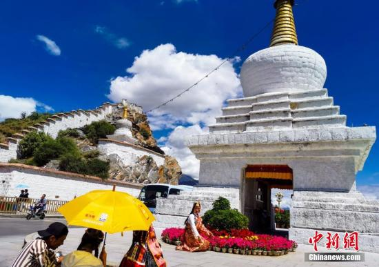 SW China's Tibet offers free entry into top scenic spots to boost winter tourism