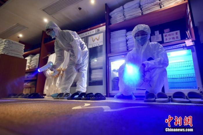 资料图:香港新冠肺炎疫情放缓,早前因应疫情关闭多时的浴室、按摩院等场所有限度重开。 <a target='_blank' href='http://www.chinanews.com/'>中新社</a>记者 李志华 摄
