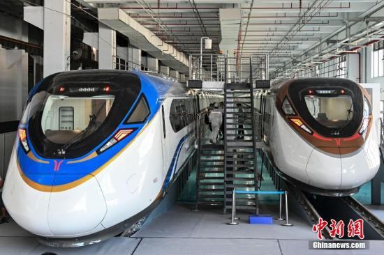 China's fastest subway train debuts in Guangzhou