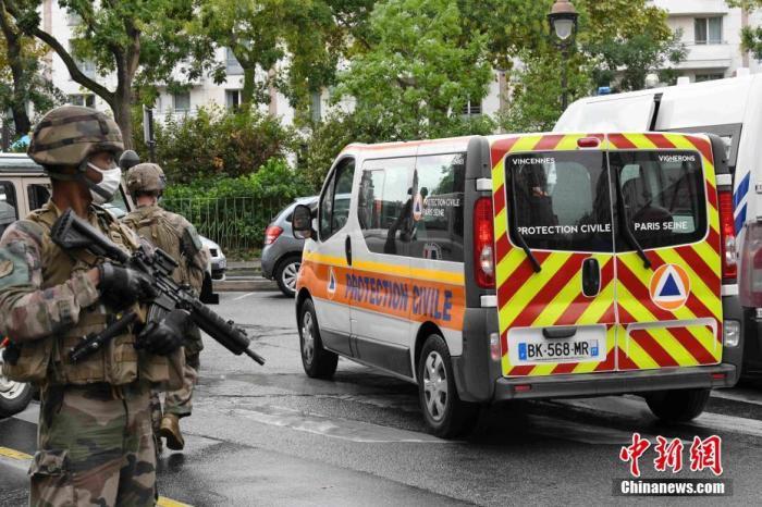 法国内政部长警告反恐形势危急 要求巴黎警方加强安保工作