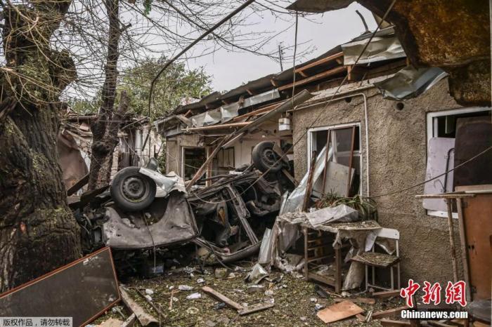 外媒:阿塞拜疆在停火生效前向纳卡首府发射导弹图片
