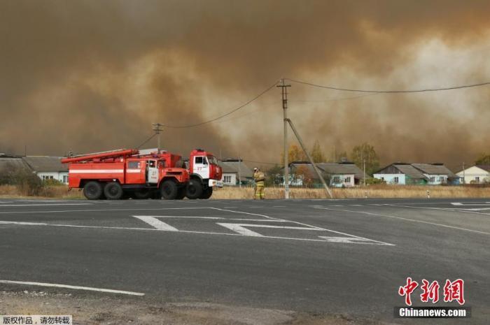 俄一军火库发生火灾 周边2300余人被疏散图片
