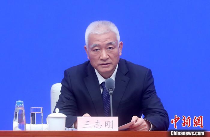 10月21日,国务院新闻办公室在北京举行新闻发布会,介绍深入实施创新驱动发展战略,加快建设创新型国家有关情况。中国科学技术部部长王志刚出席。 中新社记者 张宇 摄