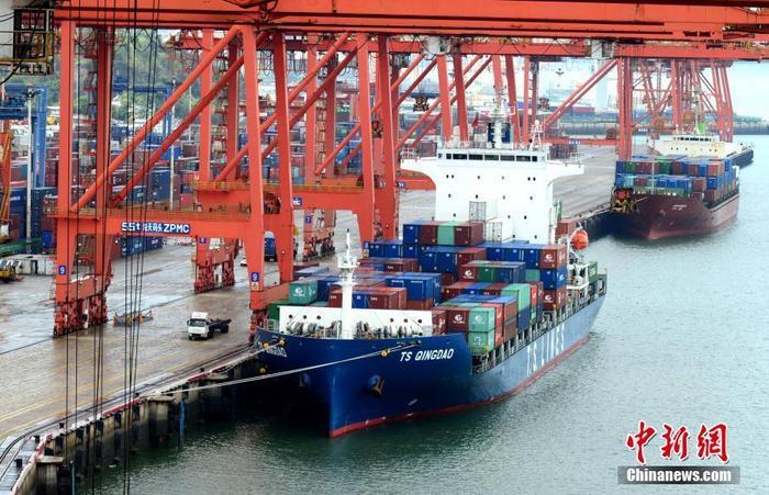 资料图:厦门港海天集装箱码头。中新社记者 王东明 摄