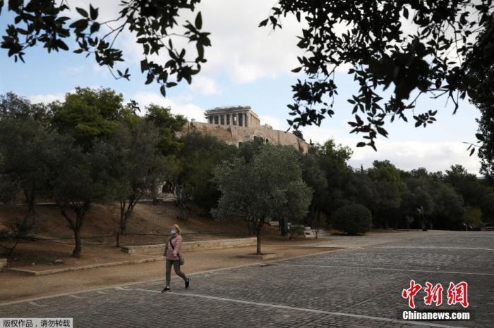 新冠疫情缓解希腊调整防控 商店将迎购物新模式