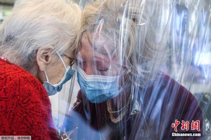 每100名患者中约4人死亡 意大利新冠死亡率引担忧图片