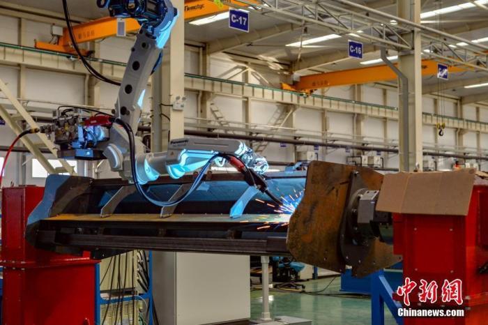 工信部:大力推进制造业高质量发展 优化中小企业发展环境