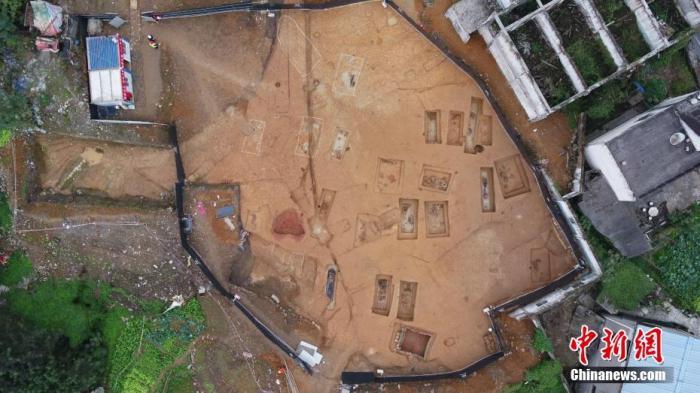 重庆考古新发掘的28座战国末期至西汉初期巴文化墓葬