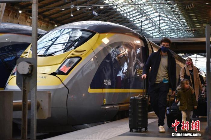 资料图:英国交通部2020年12月22日晚宣布,英国和法国政府达成了重新开放英法边境的协议。图片来源:ICphoto