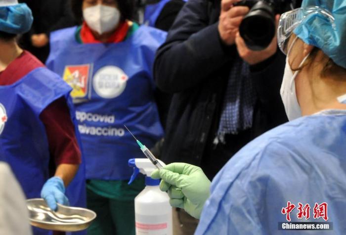 意大利日增确诊近两万 报告称变异病毒正迅速传播