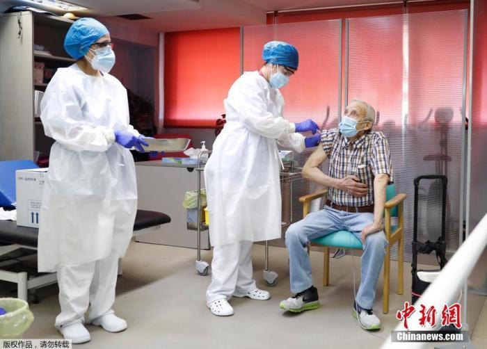 西班牙马德里感染率上升:每10万人中近1000人确诊图片