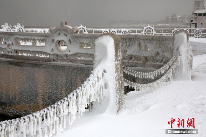中国多地受低温雨雪冰冻天气影响