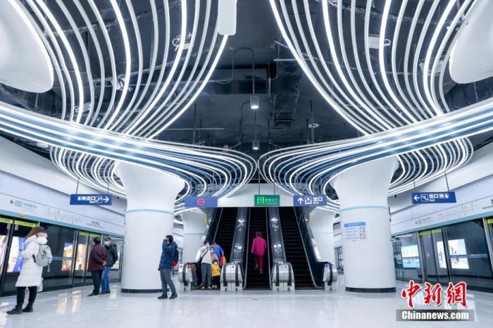 资料图:武汉地铁。中新社记者 张畅 摄