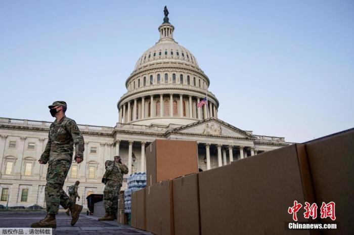 美国新墨西哥州宣布紧急状态 州议会大楼加强安保