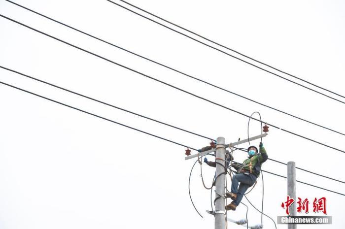 国家发改委:全国电力供应安全可靠 电网运行平稳有序