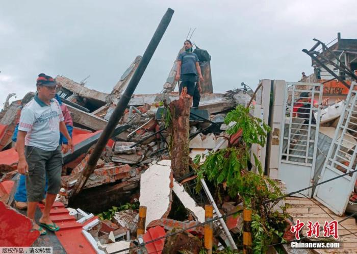 印尼地震后余震不断 已致35人死亡600余人伤