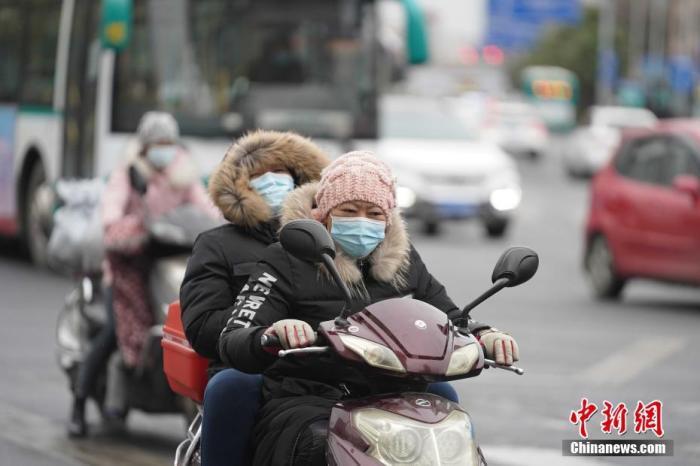 内蒙古中西部等地有扬沙或浮尘 冷空气将影响华北东北