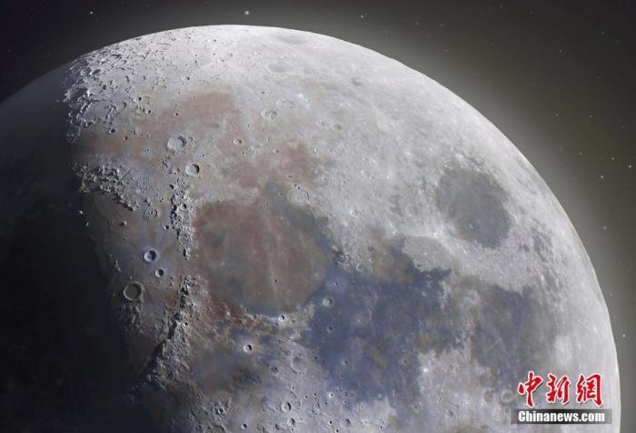 资料图:月球。 图片来源:视觉中国