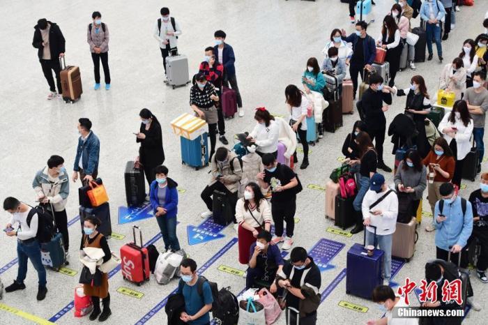 今年春运客流明显下降 春节期间快递揽投同比增260%