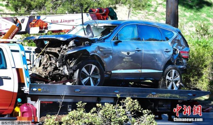 """当地时间2月23日上午,美国高尔夫球名将""""老虎""""伍兹 (Tiger Woods)在洛杉矶郡发生车祸,伤势严重。"""