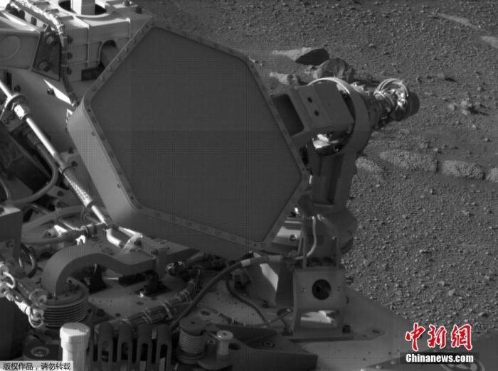 """当地时间2021年2月28日,mg电子游戏平台国家航天局发布""""毅力号""""传回的火星照。"""