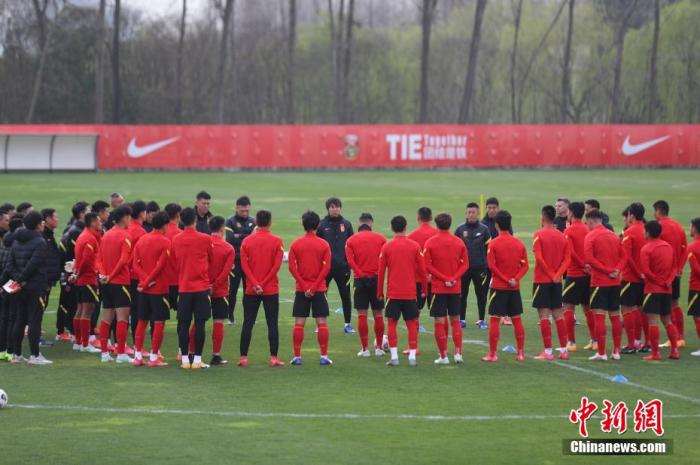 资料图:国足3月份在上海集训。 张亨伟 摄