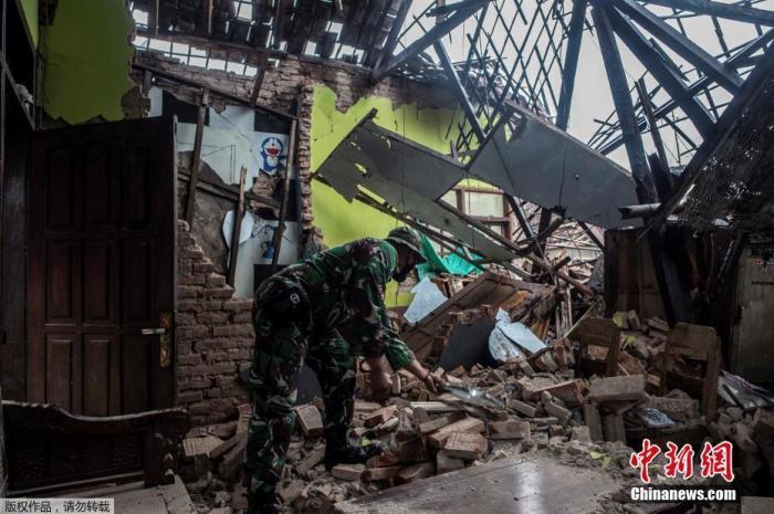 印尼东爪哇南部海域6.1级地震已致8死39伤