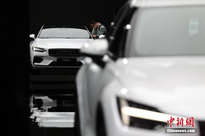 4月19日,2021年第十九届上海国际汽车工业展览会在国家会展中心(上海)正式开幕,这也是今年全球第一个如期举办的A级车展。 张亨伟 摄