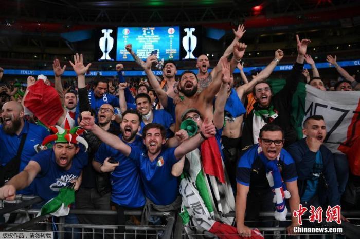 """世卫专家:欧洲杯决赛防疫意识不足 恐怕是""""一场灾难"""""""