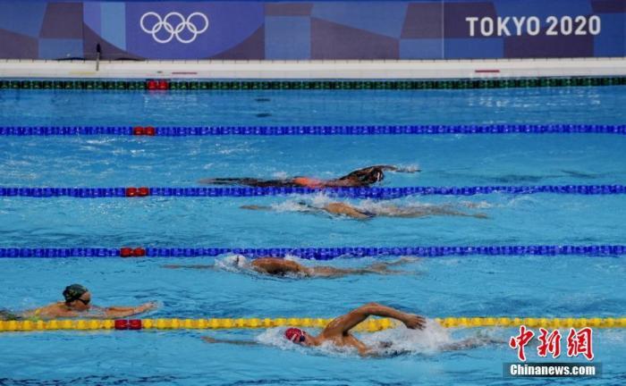 7月21日,參加東京奧運會游泳比賽的選手在東京水上運動中心訓練。 a target='_blank' href='http://www.chinanews.com/'中新社/a記者 杜洋 攝