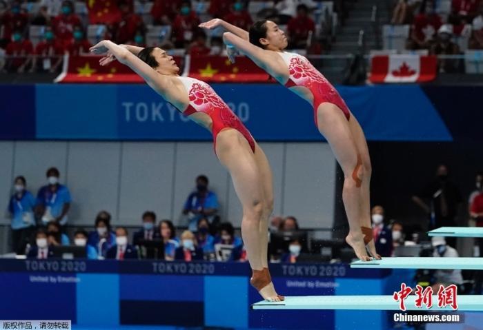 中国跳水队取得开门红 施廷懋/王涵女子双人3米板无悬念夺冠