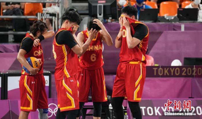 7月28日晚,在东京奥运会女子三人篮球铜牌战中,中国女子三人篮球队以16:14击败法国队,夺得了中国代表团在该项目上的首枚奖牌。<a target='_blank' href='http://www.chinanews.com/'>中新社</a>记者 杜洋 摄