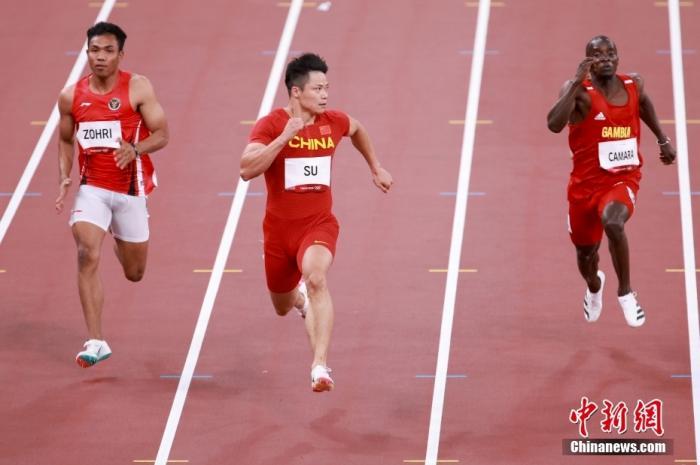 7月31日晚,东京奥运会男子100米第1轮比赛进行,中国选手苏炳添跑出了10秒05的成绩,排在小组第二,成功晋级。<a target='_blank' href='http://www.chinanews.com/'>中新社</a>记者 富田 摄