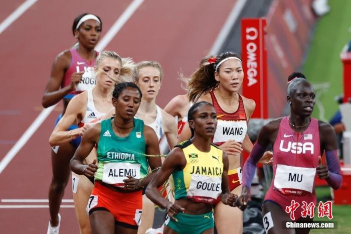 中国女子中长跑再创历史 王春雨800米获第五图片