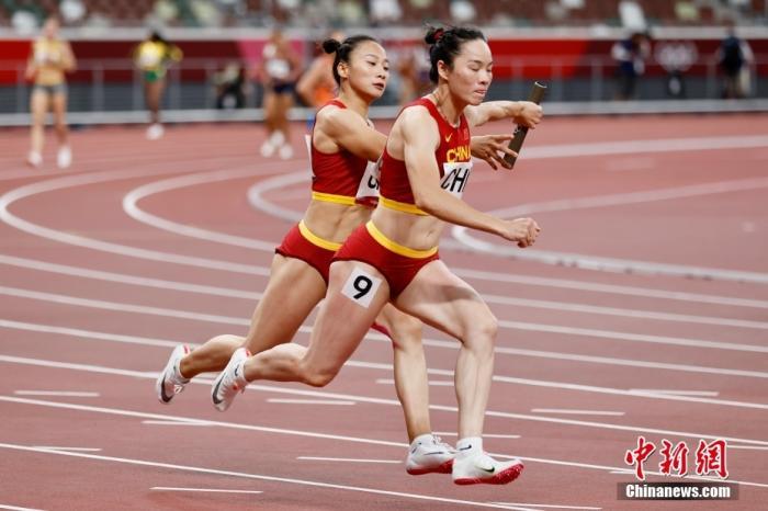 """""""脚踏风火轮"""",中国女子接力第六创历史图片"""