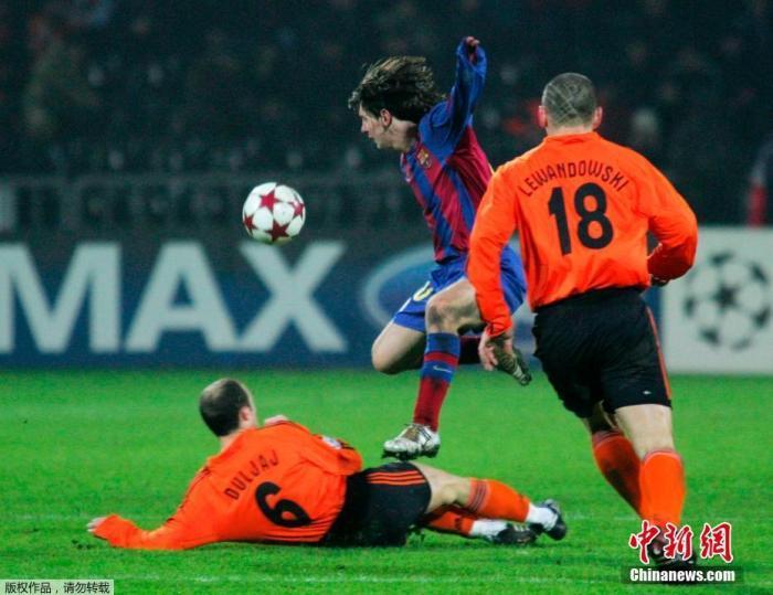 2004年12月7日,欧冠联赛巴萨对阵顿涅茨克矿工。在巴萨已经提前小组出线的情况下,梅西获得首发机会并首次打满全场,这也是他在欧冠联赛的处子秀。