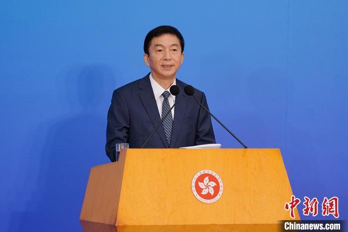 资料图:香港中联办主任骆惠宁。中新社记者 张炜 摄