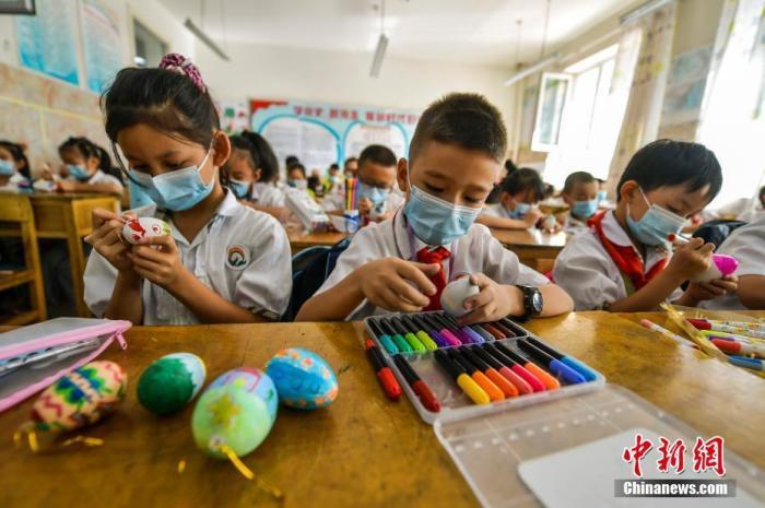 资料图:小学课堂。 中新社记者 刘新 摄
