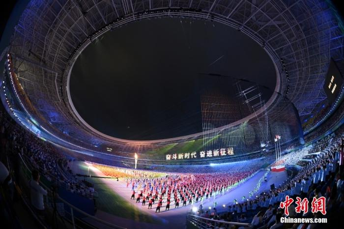 9月15日晚,第十四届全运会正式拉开帷幕,开幕式在位于千年古都西安的奥体中心举行。<a target='_blank' href='http://www.chinanews.com/'>中新社</a>记者 侯宇 摄