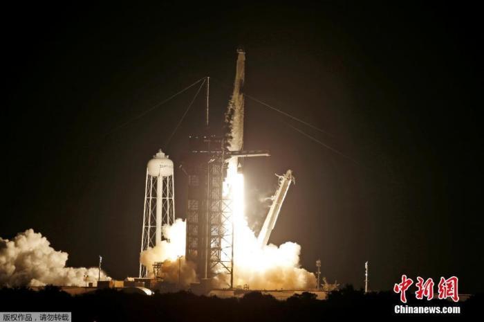 """美国SpaceX开启""""全平民""""太空游  将绕地球飞行三天"""