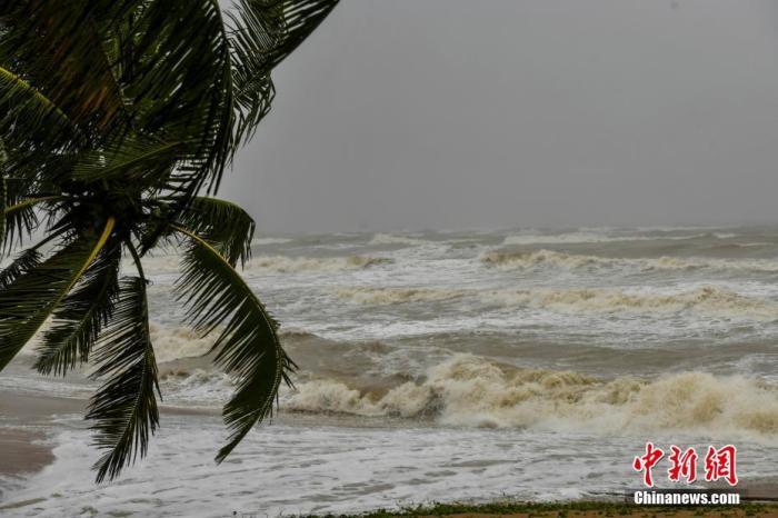 """台风""""圆规""""对粤影响基本结束 已给广东南部市县带来狂风暴雨"""